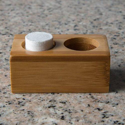 suport-servetele-comprimate-maro-bambus-1persoana-1
