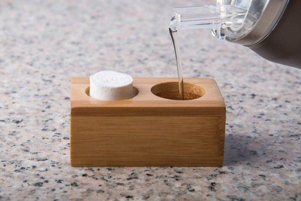 suport-servetele-comprimate-maro-bambus-1persoana-2