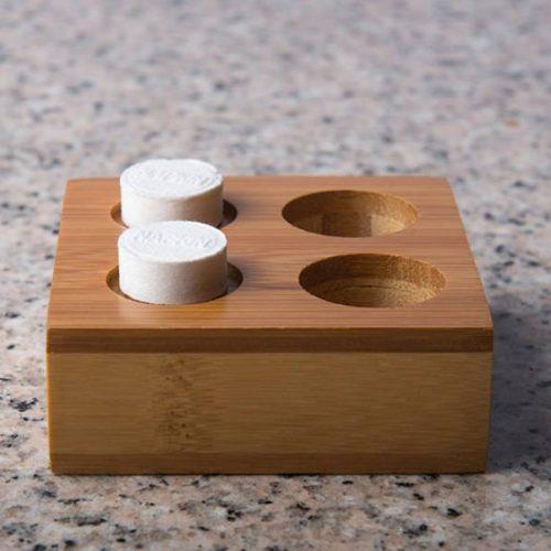 suport-servetele-comprimate-maro-bambus-2persoane-1