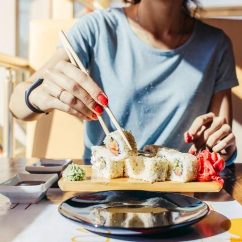 Tradiții în timpul mesei în Asia